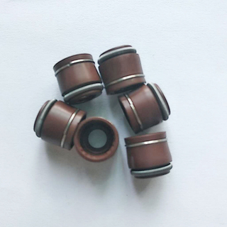 Hot Sale 13207-81W00 Rubber Valve Stem Oil Seal